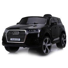 Audi Q7 elektrické auto černá